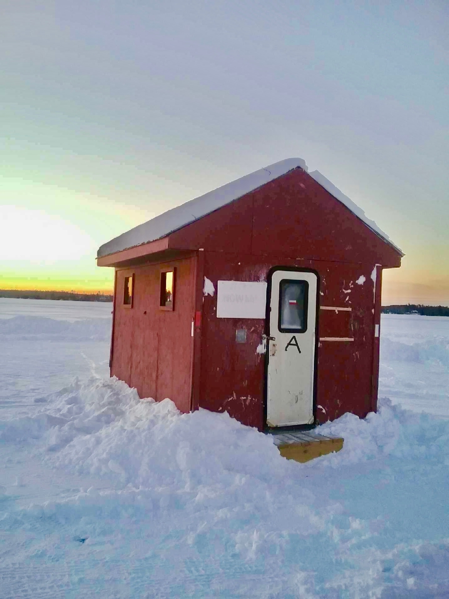 Ice Fishing Day House